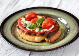 Italienische Bruschetta, typisch für die italienische Küche. Foto Alex 9500 via Envato