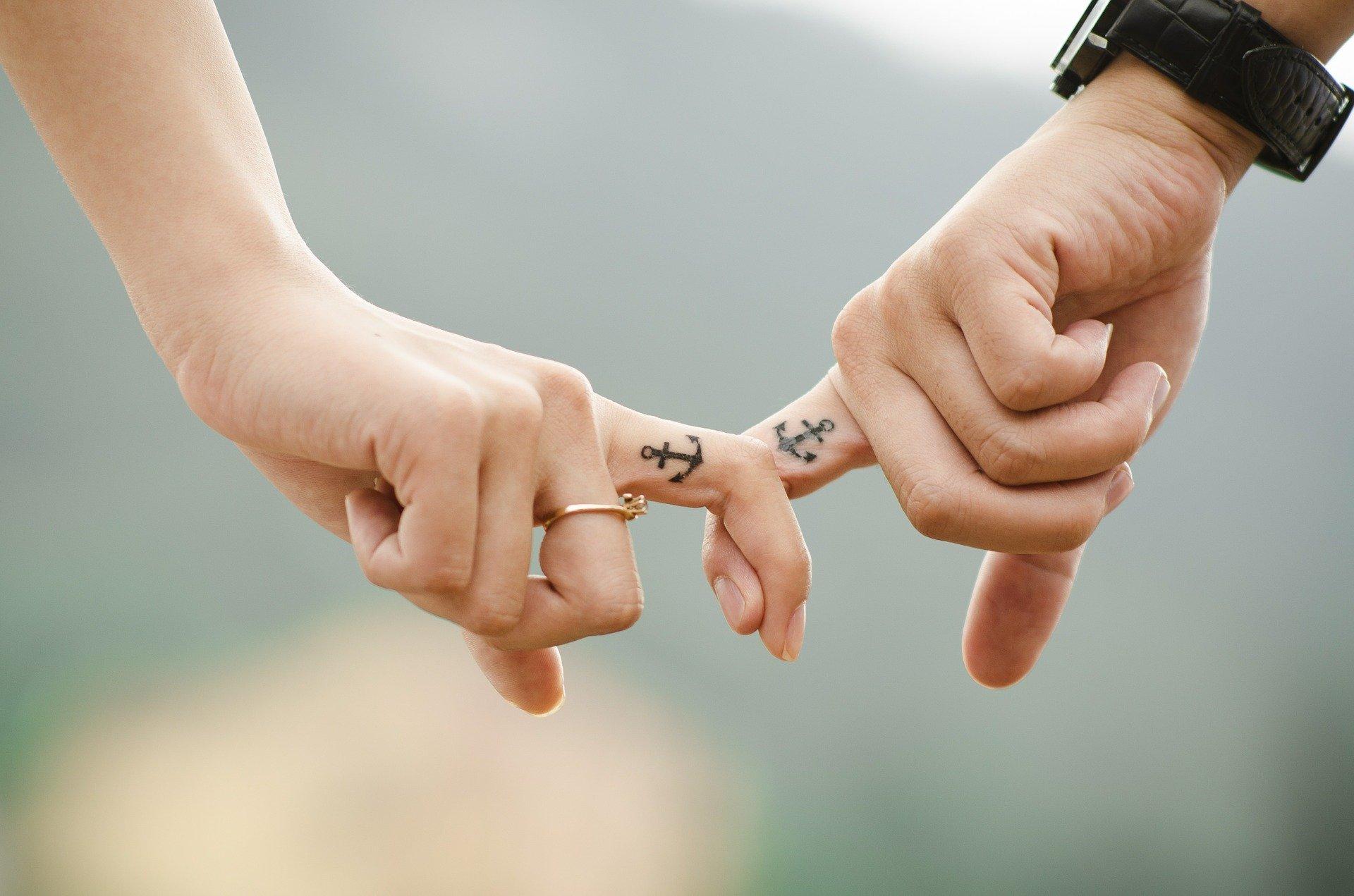 Wie lässt sich eine Beziehung, die arg gelitten hat, retten Foto Takmeomeo via pixabay