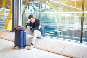 Bei einem Flugausfall haben Urlauber und Geschäftsreisende Rechte. Foto: davidpradoperucha via Envato.