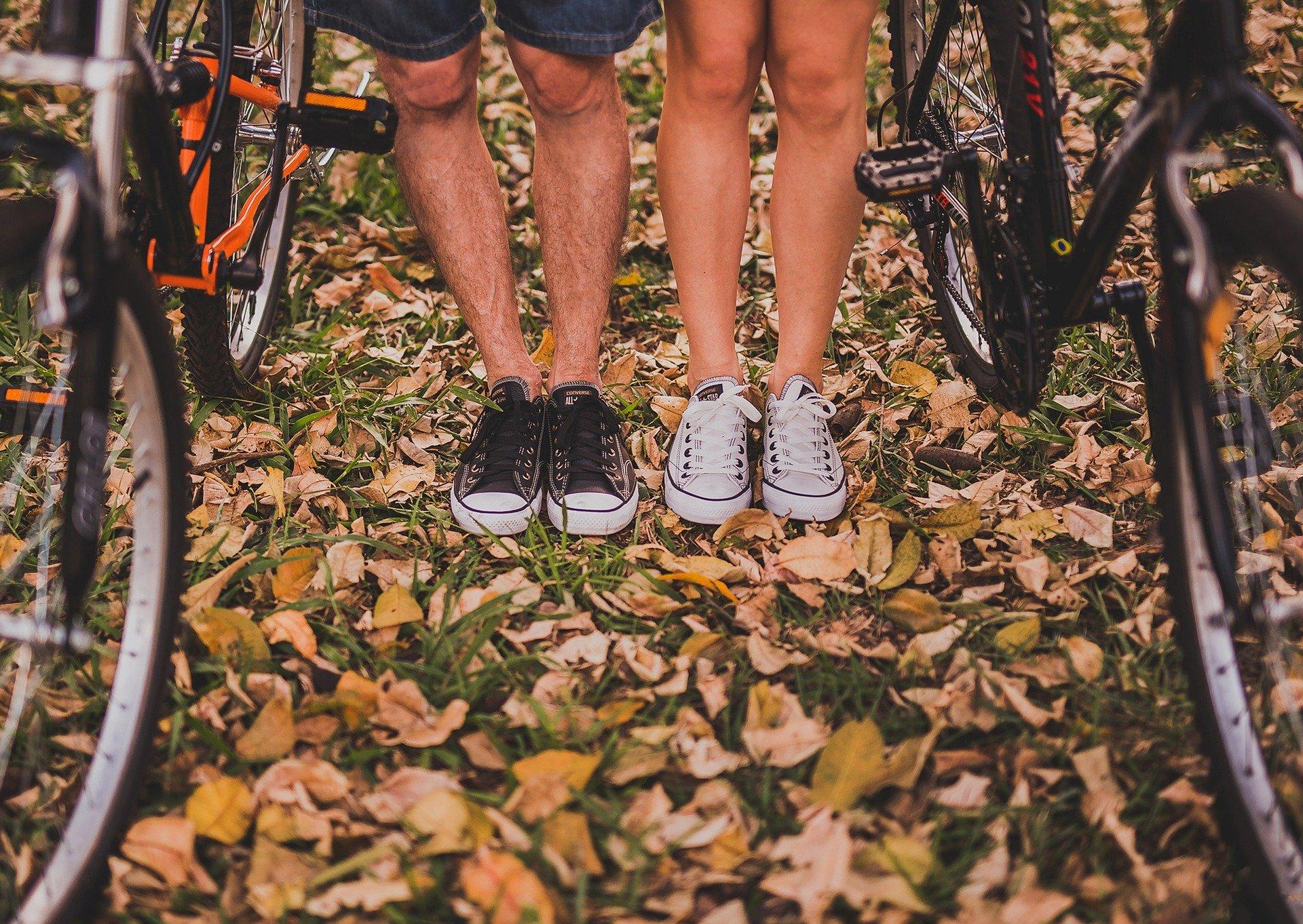 Eine Fahrradtour macht Riesenspaß. Man schon die Umwelt und tut viel für die eigene Fitness. Foto: Pexels via Pixabay.